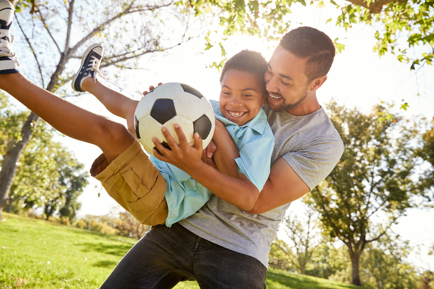 N-Father-and-son-playing-football.jpg