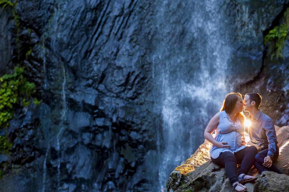 1100-Angelina-seance-grossesse-cascades-25.jpg