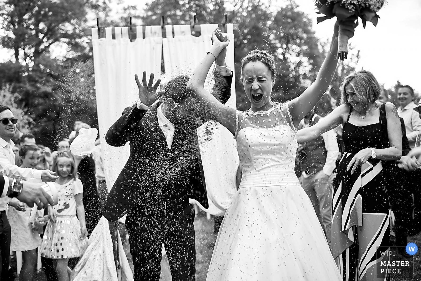 Les mariés - la sortie
