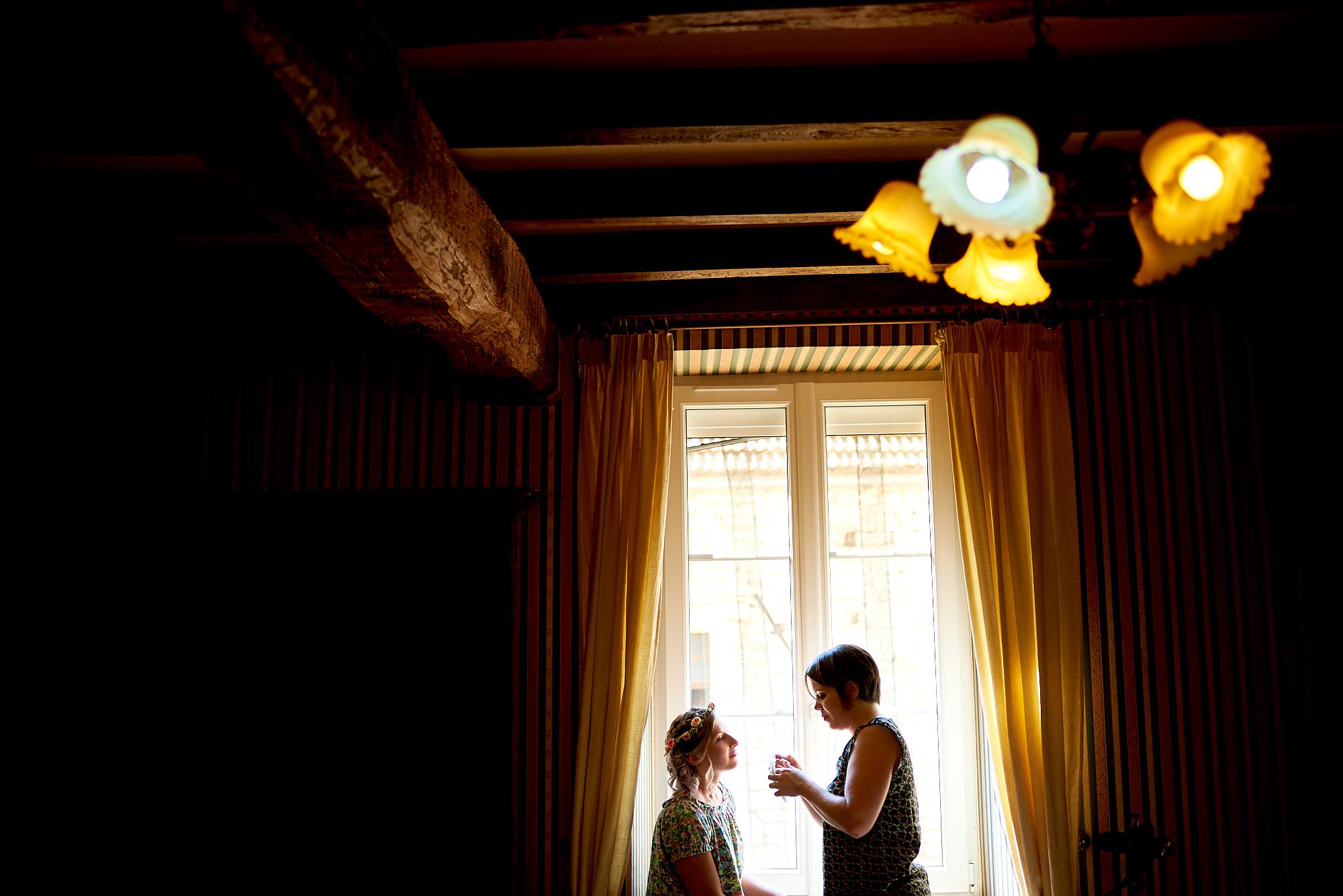 Photographe de mariage à Auxerre en Bourgogne-Franche-Comté | Préparatifs de la mariée