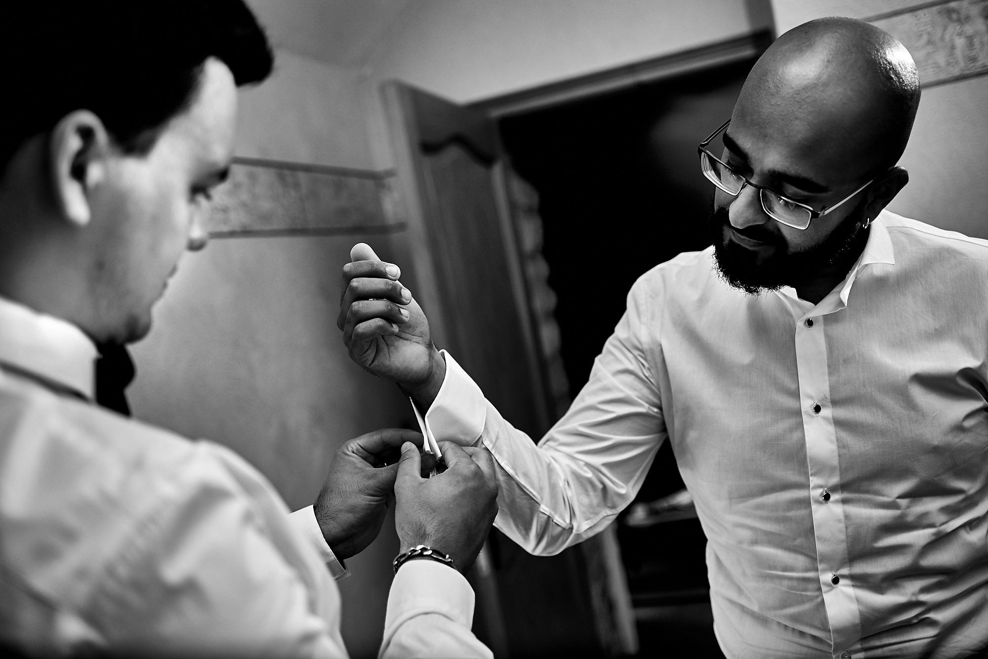 Photographe de mariage à Auxerre en Bourgogne-Franche-Comté | Préparatifs du marié