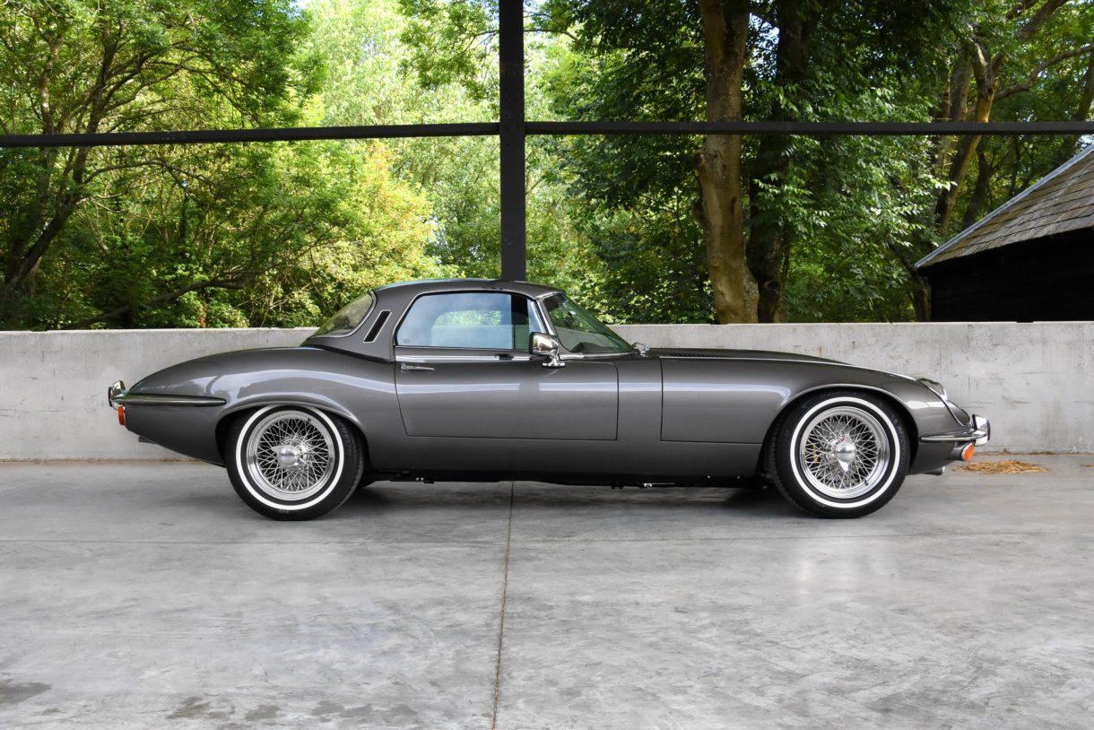 The 1960 Jaguar E-Type -  www.highmotor.com  (Spanish article)