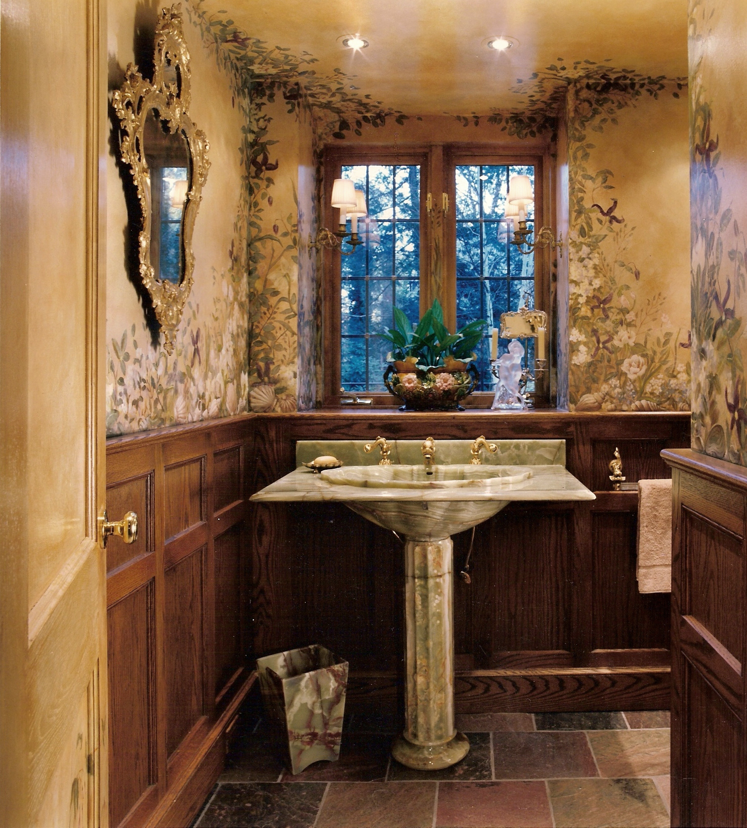 Bathroom04.jpg