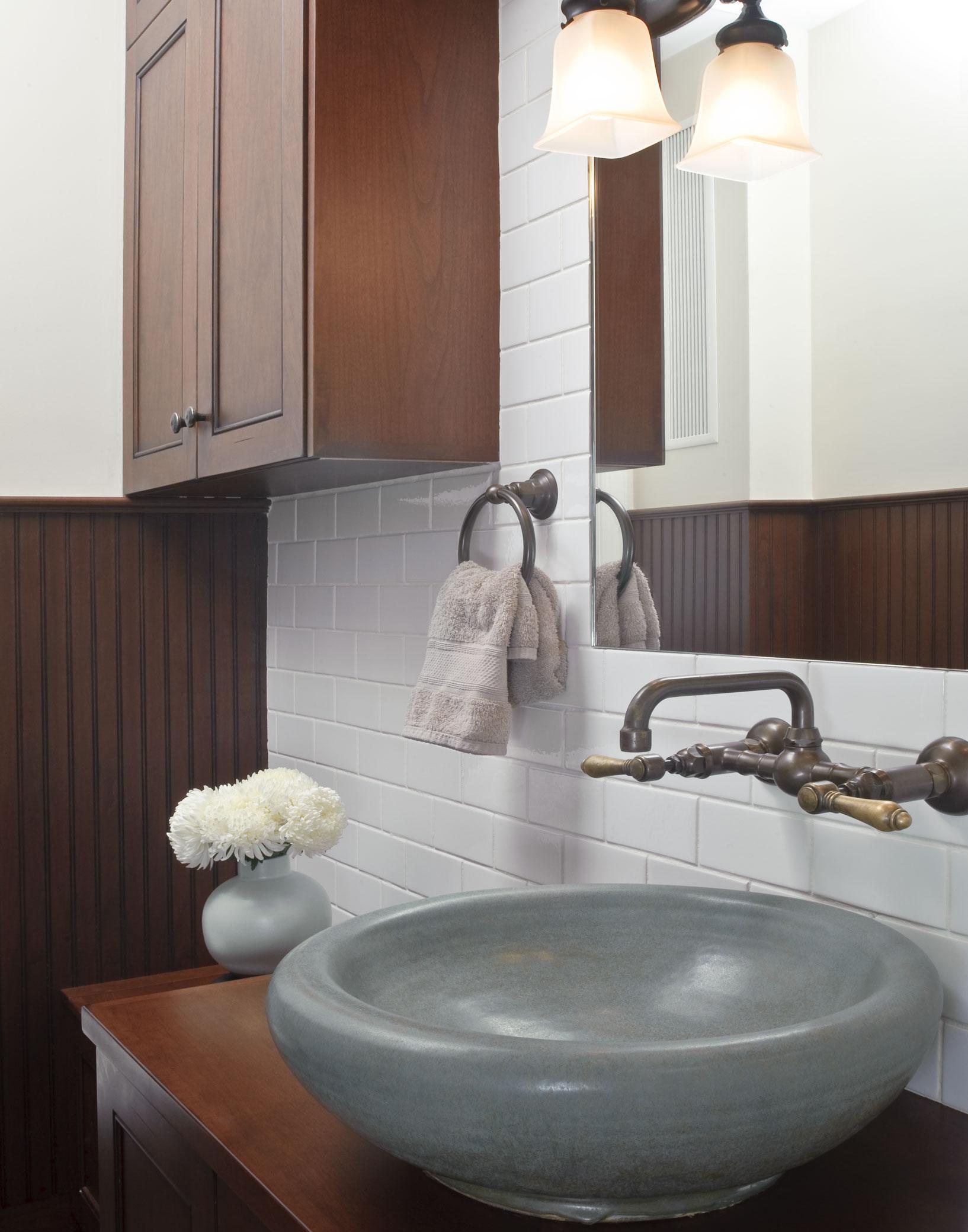 Bathroom08a.jpg