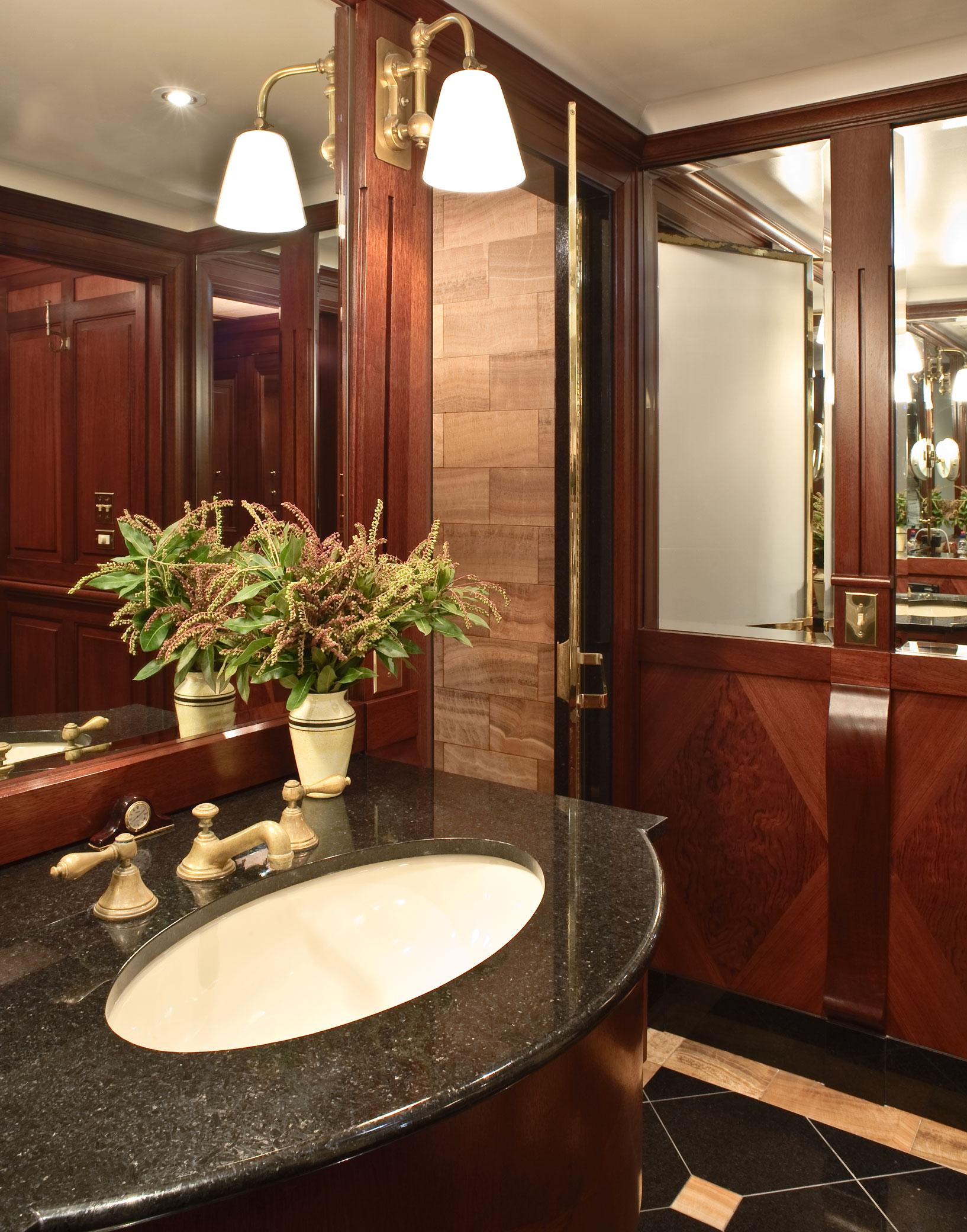 Bathroom11.jpg
