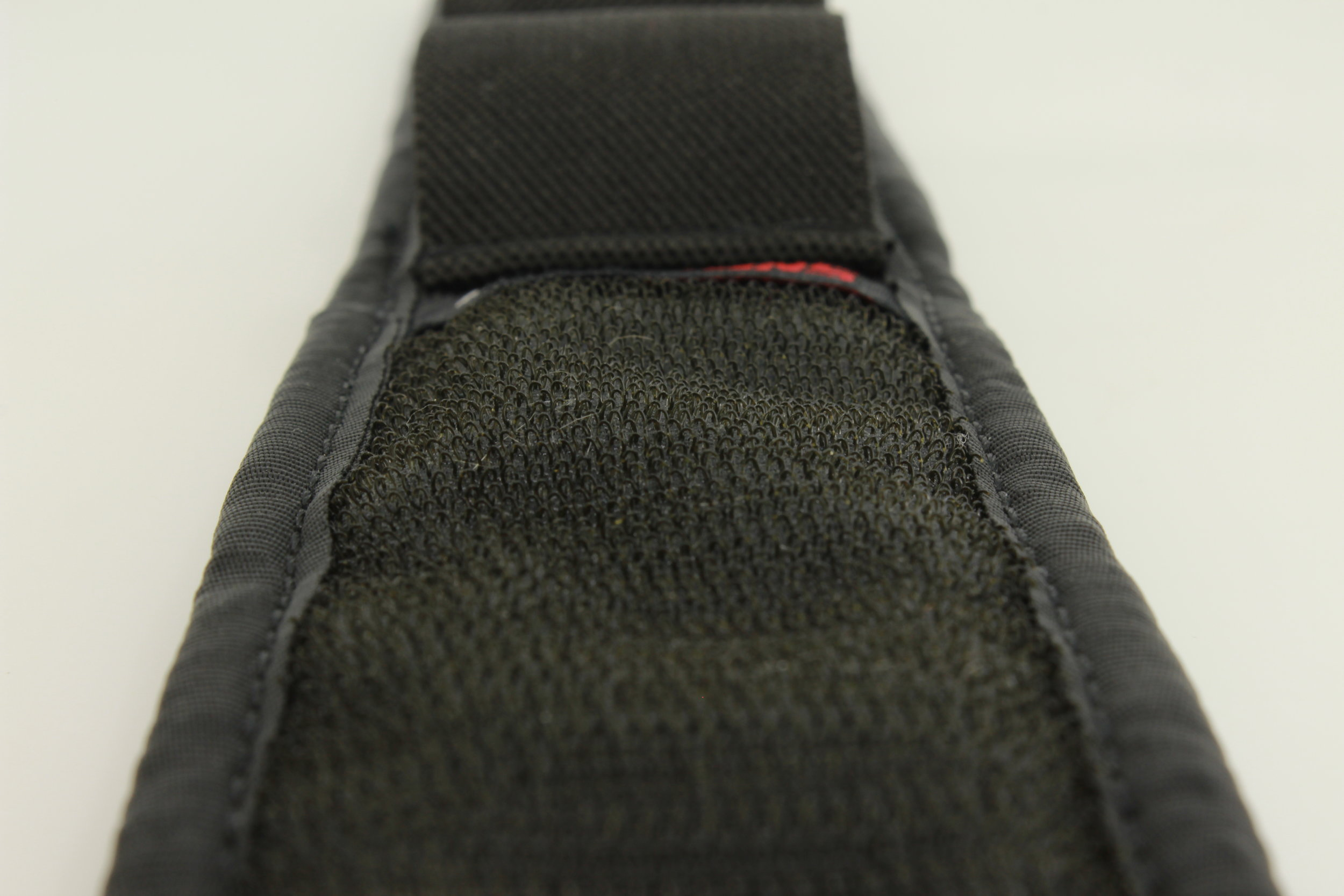 "•""Velcro Brand"" Velcro covers 80% of the Wristmag for the fastest & most secure connection possible."
