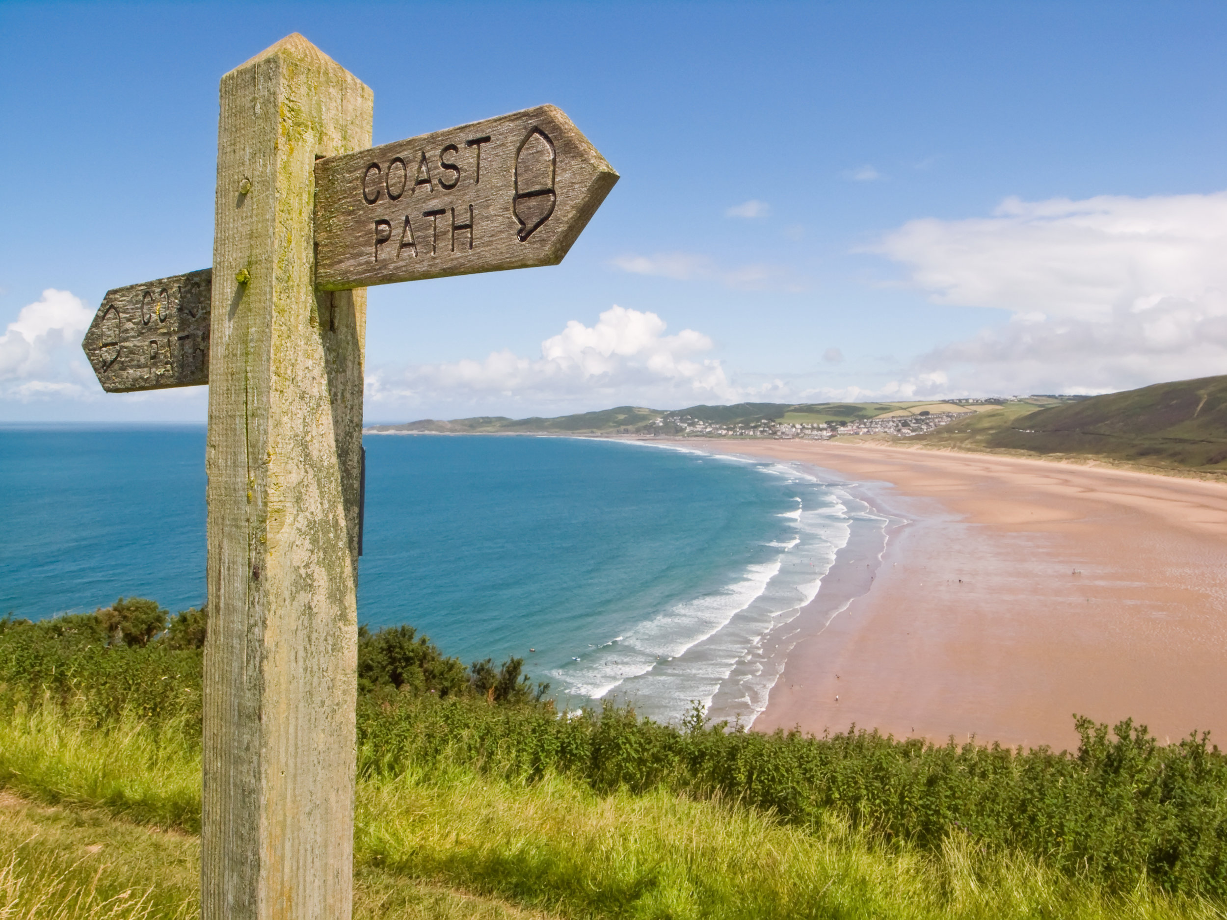 Surf Britain's best beaches - Join us for an unforgettable experience on the wonderful beaches of North Devon