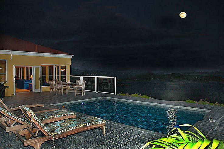moonrise-from-pool.jpg