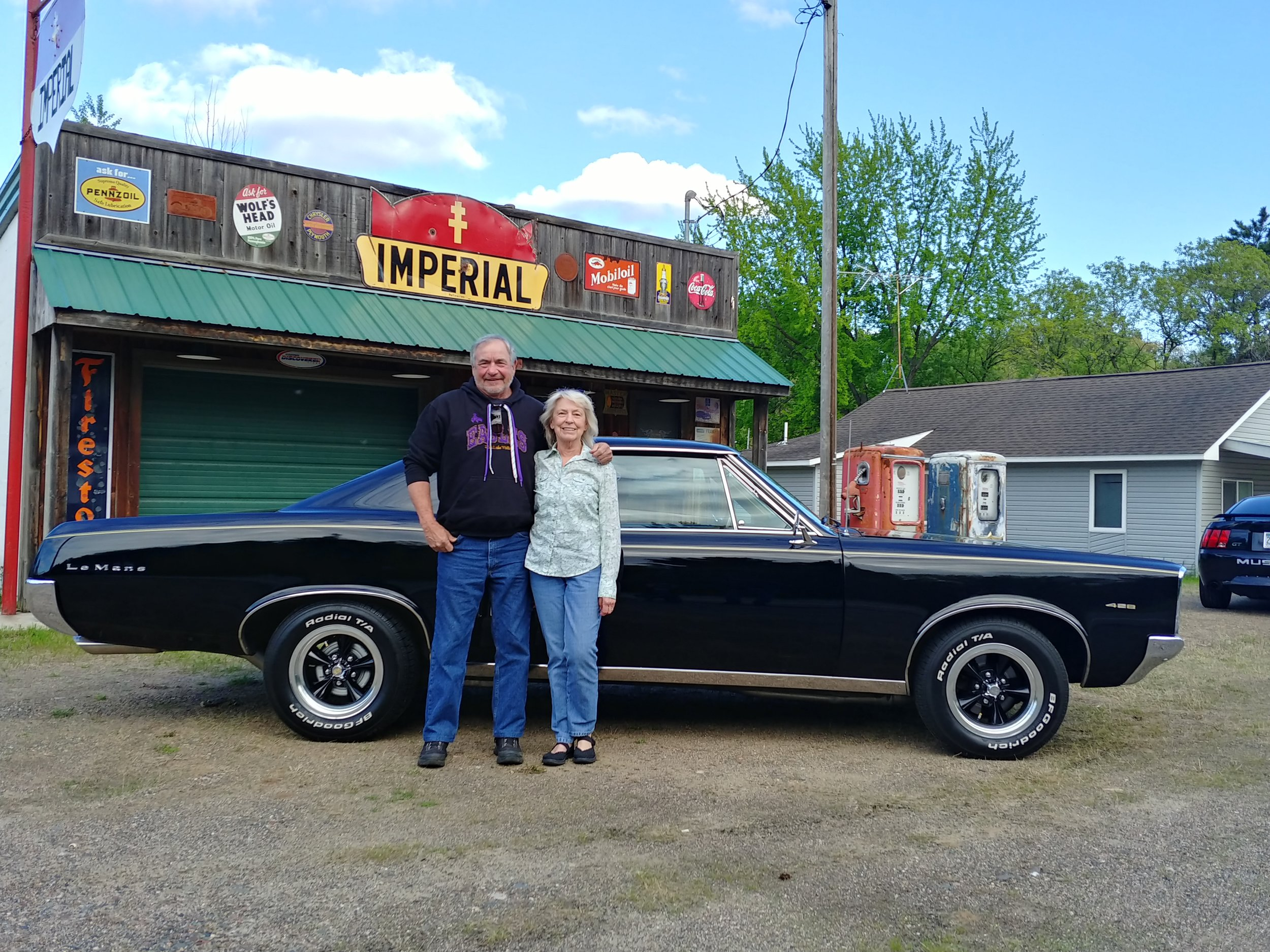 DARRELL AND LINDA PAGE (EVENTS PLANNER)- 1967 PONTIAC LEMANS