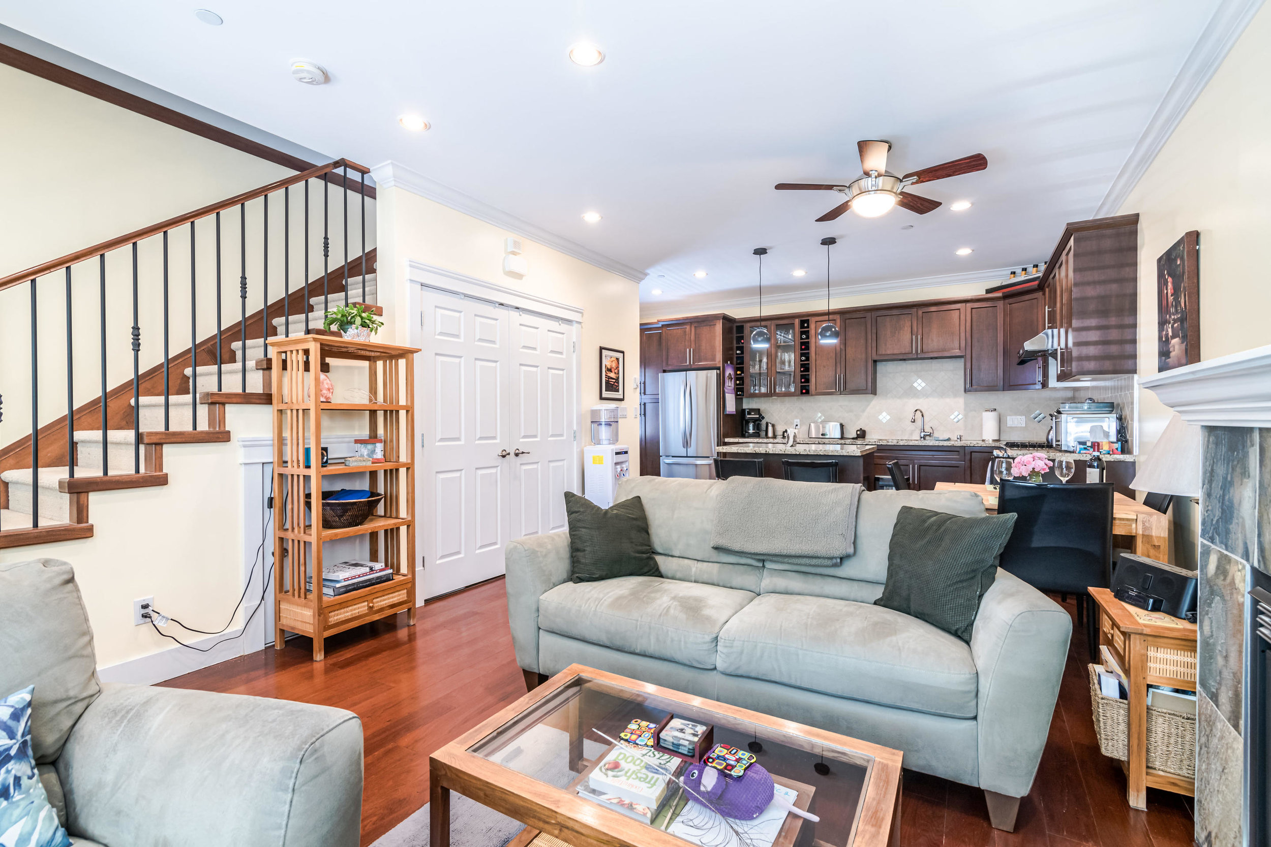 843 Keefer St Vancouver BC V6A-004-010-Living Room-MLS_Size.jpg