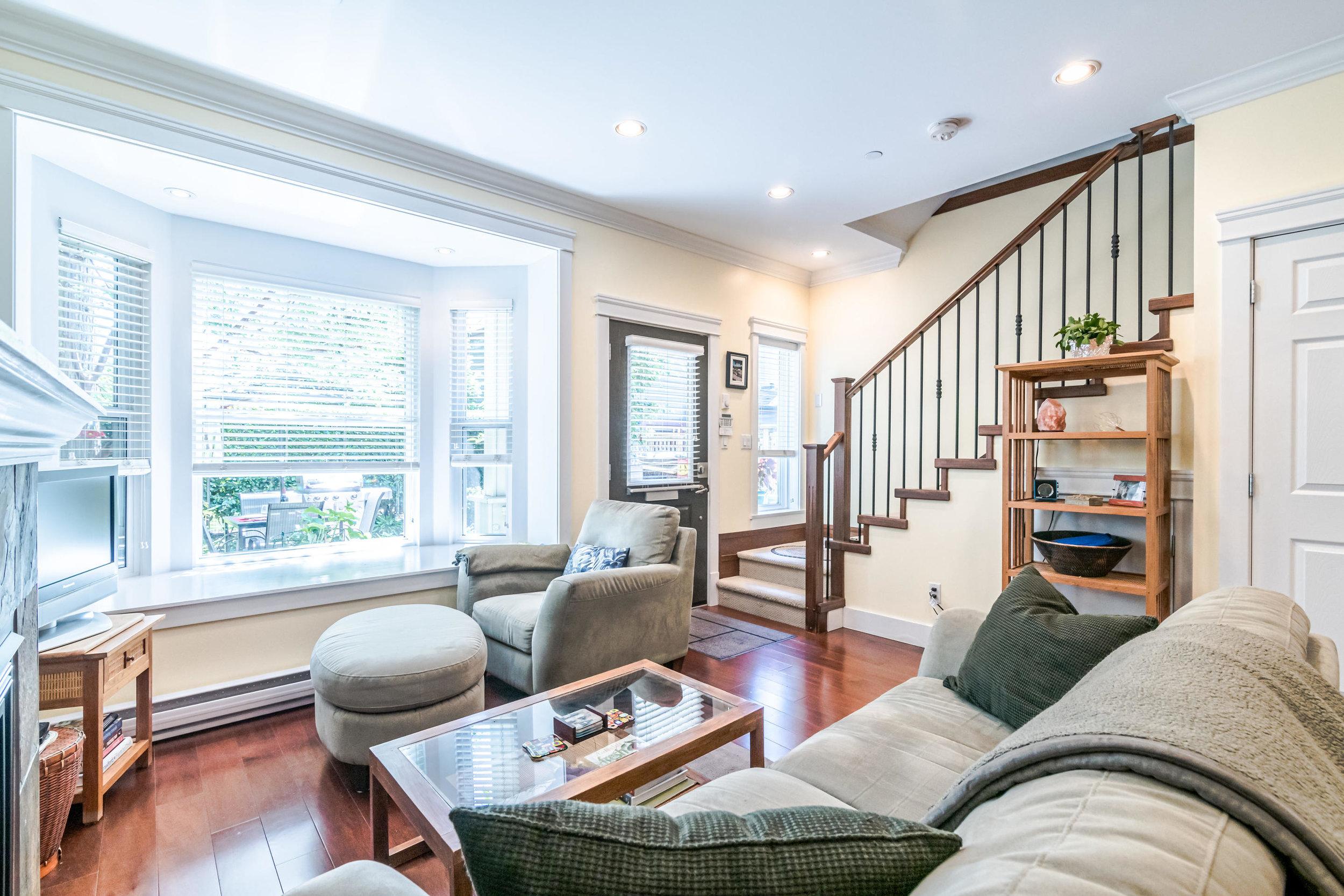 843 Keefer St Vancouver BC V6A-006-005-Living Room-MLS_Size.jpg