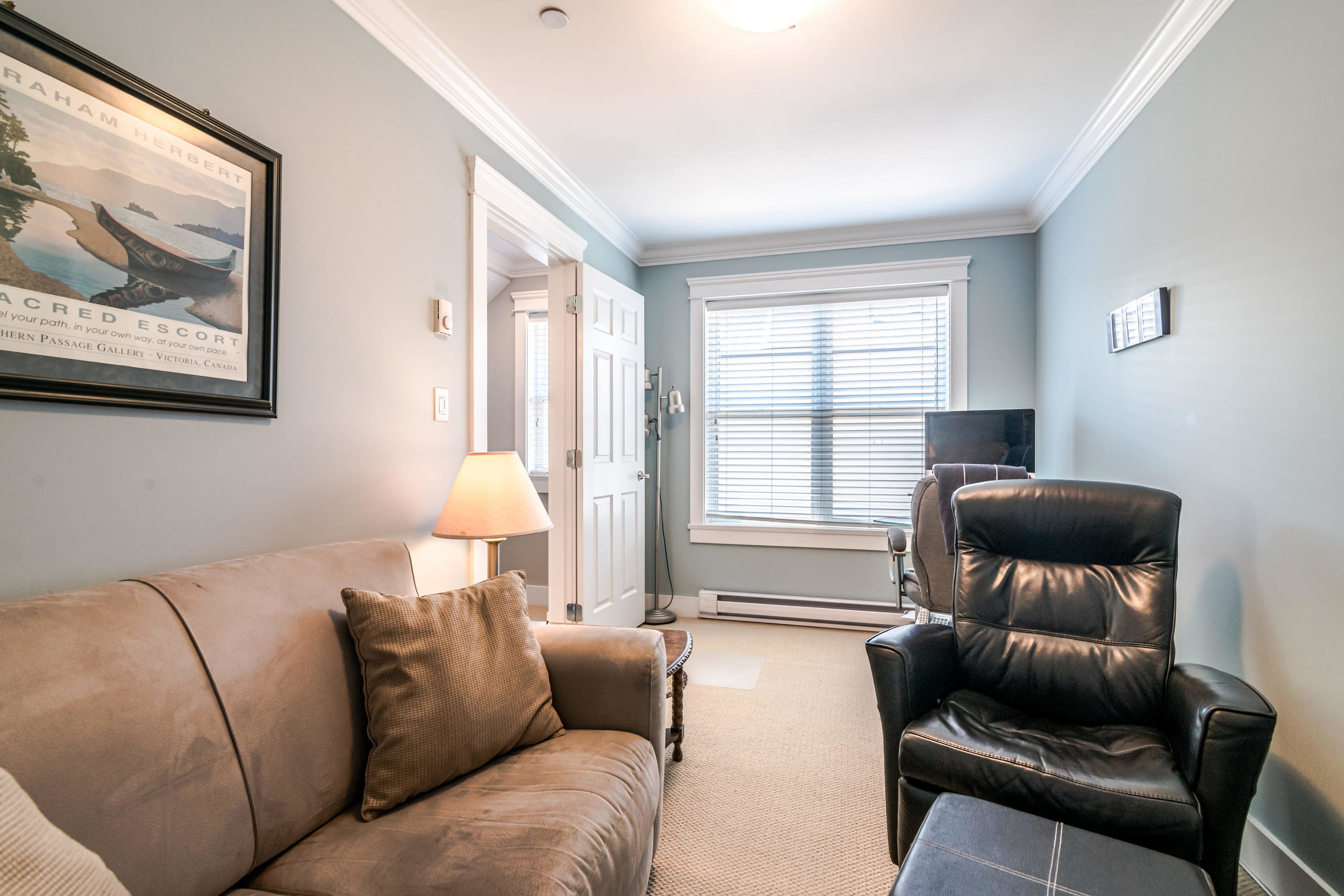 843 Keefer St Vancouver BC V6A-015-011-Office-MLS_Size.jpg