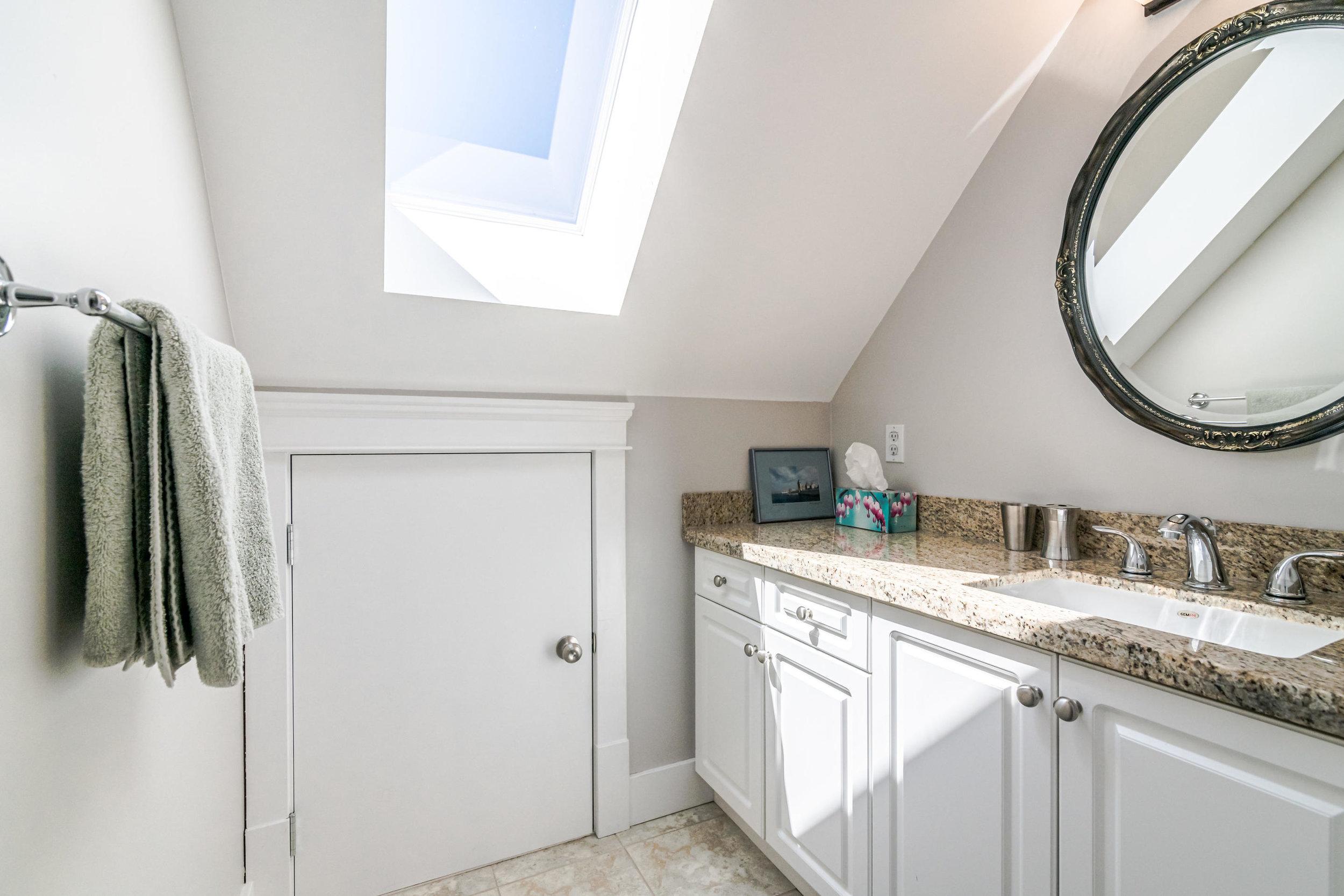843 Keefer St Vancouver BC V6A-019-015-Bathroom-MLS_Size.jpg