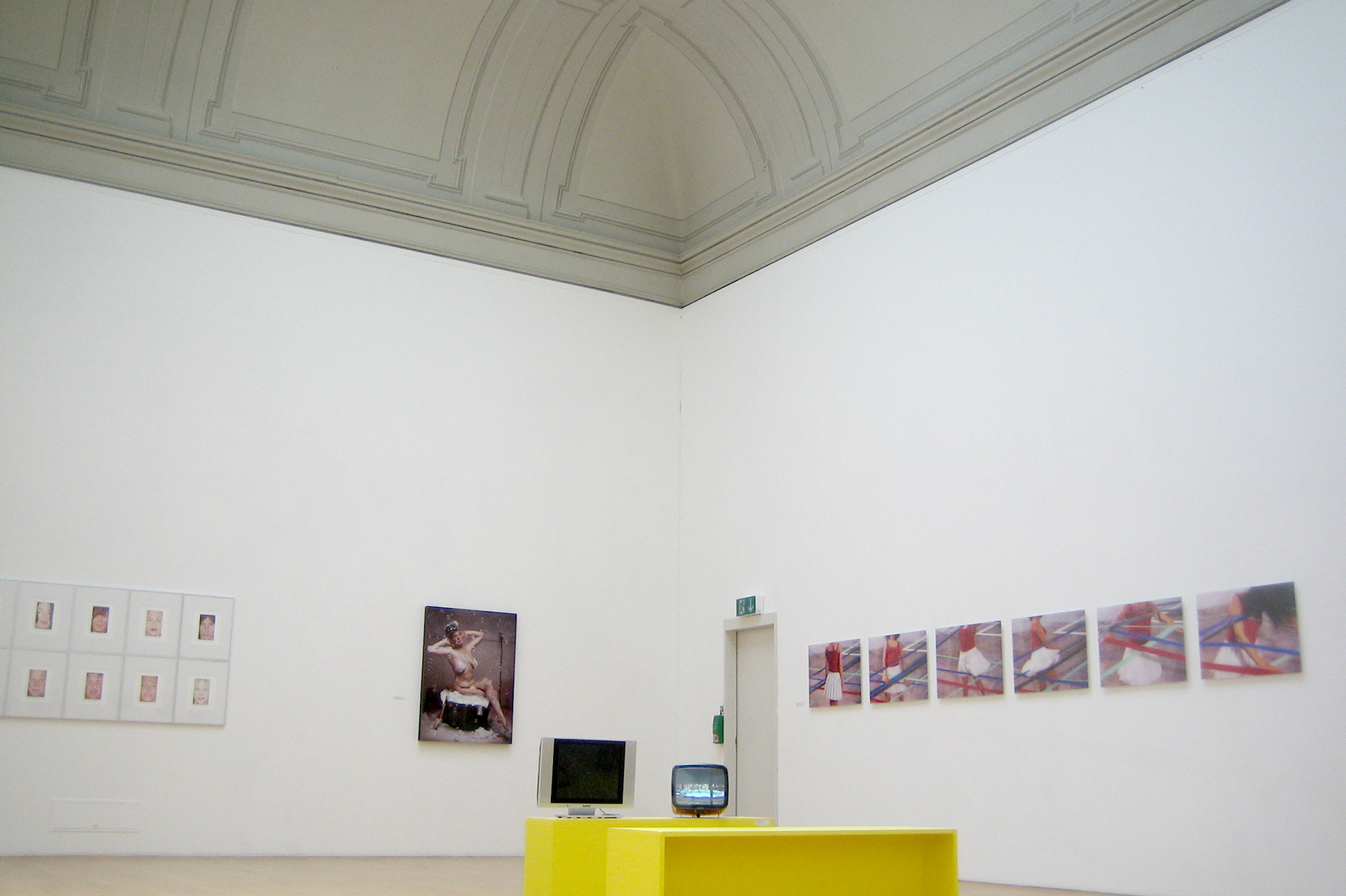 The-Non-Age-Kunsthall-Winterthur-2009-2.jpg
