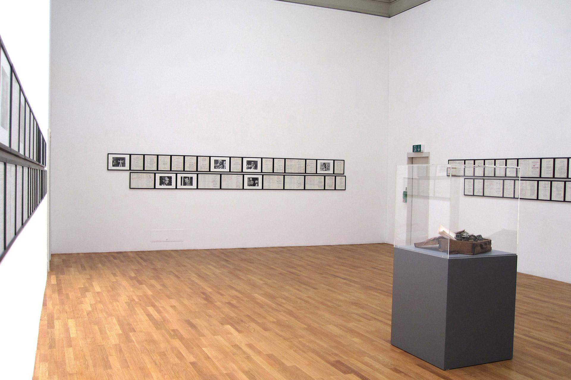 Telephone-Book-Kunsthalle-Winterthur-2010-2.jpg