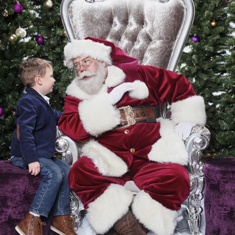 Its-Santa-Baby-2016-Promo-4-800x800.jpg