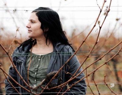 Judith in the vineyard.  Image: Respekt Biodyn.