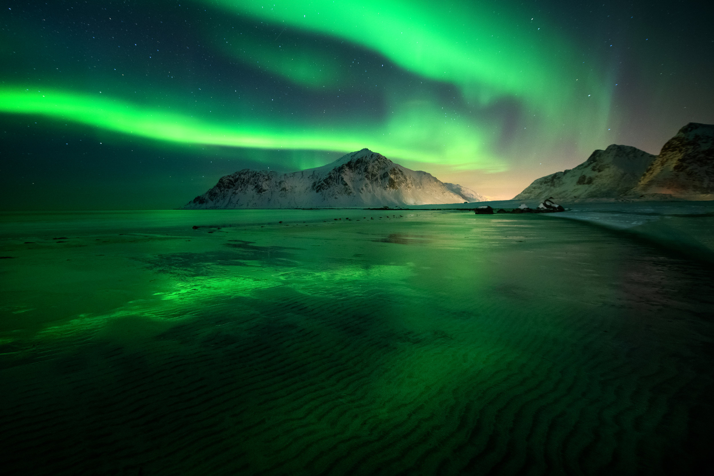 Aurora Borealis at Flakstad Beach