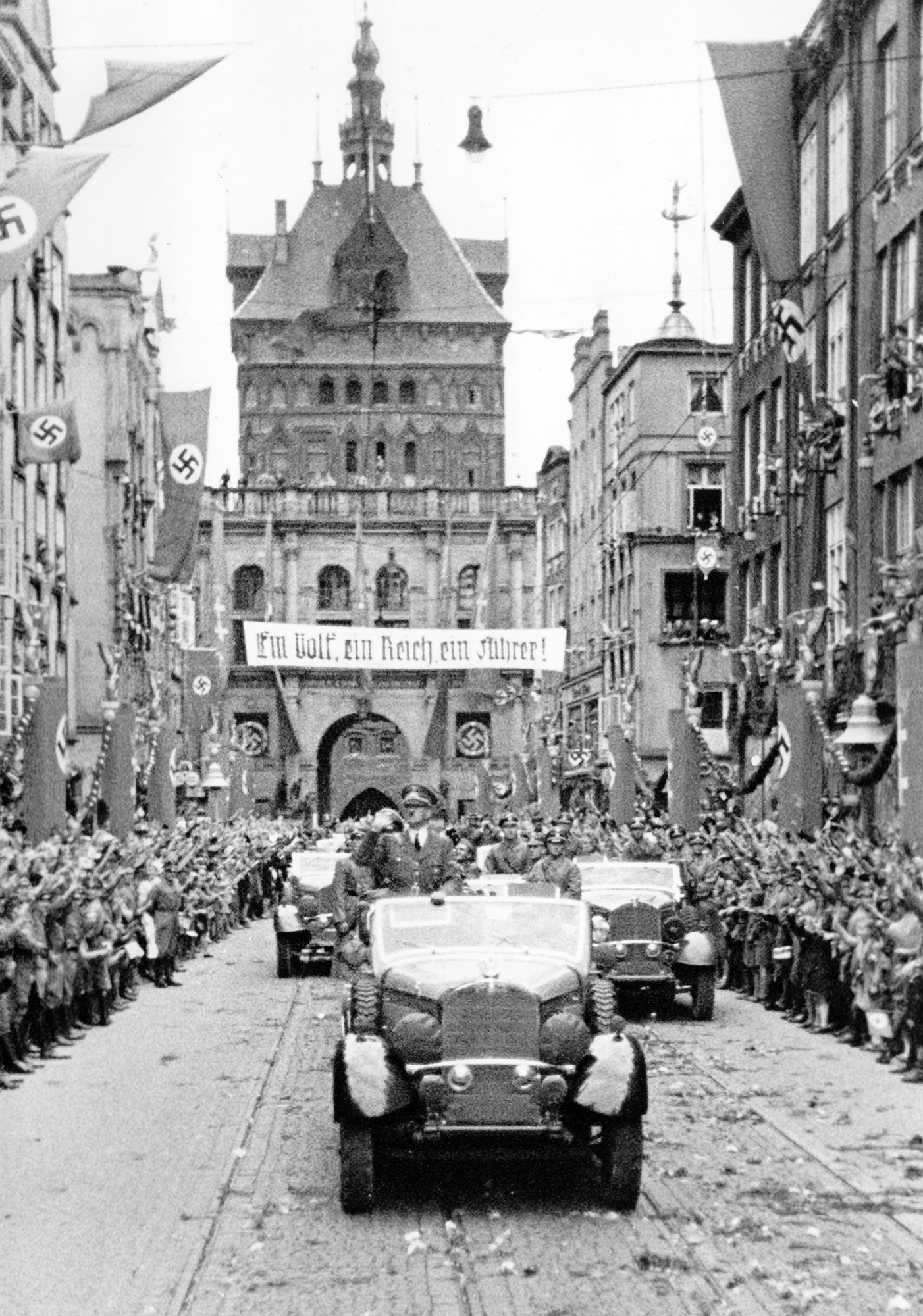 Nazi Propaganda: Adolf Hitler arriving in the Free State of Danzig, 19 September 1939 (click to enlarge )