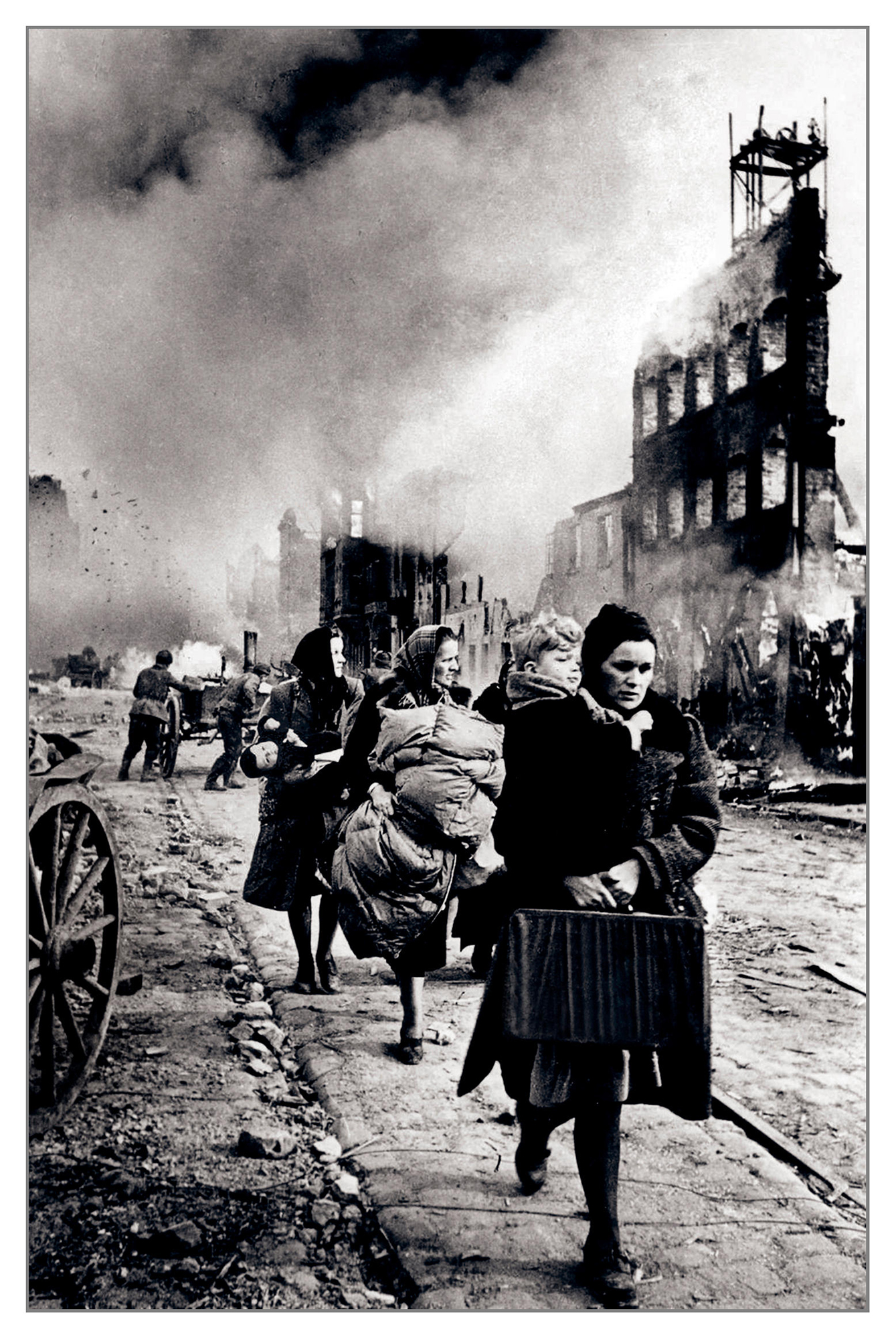 Local population fleeing a destroyed Danzig 30th March 1945 (click to enlarge)