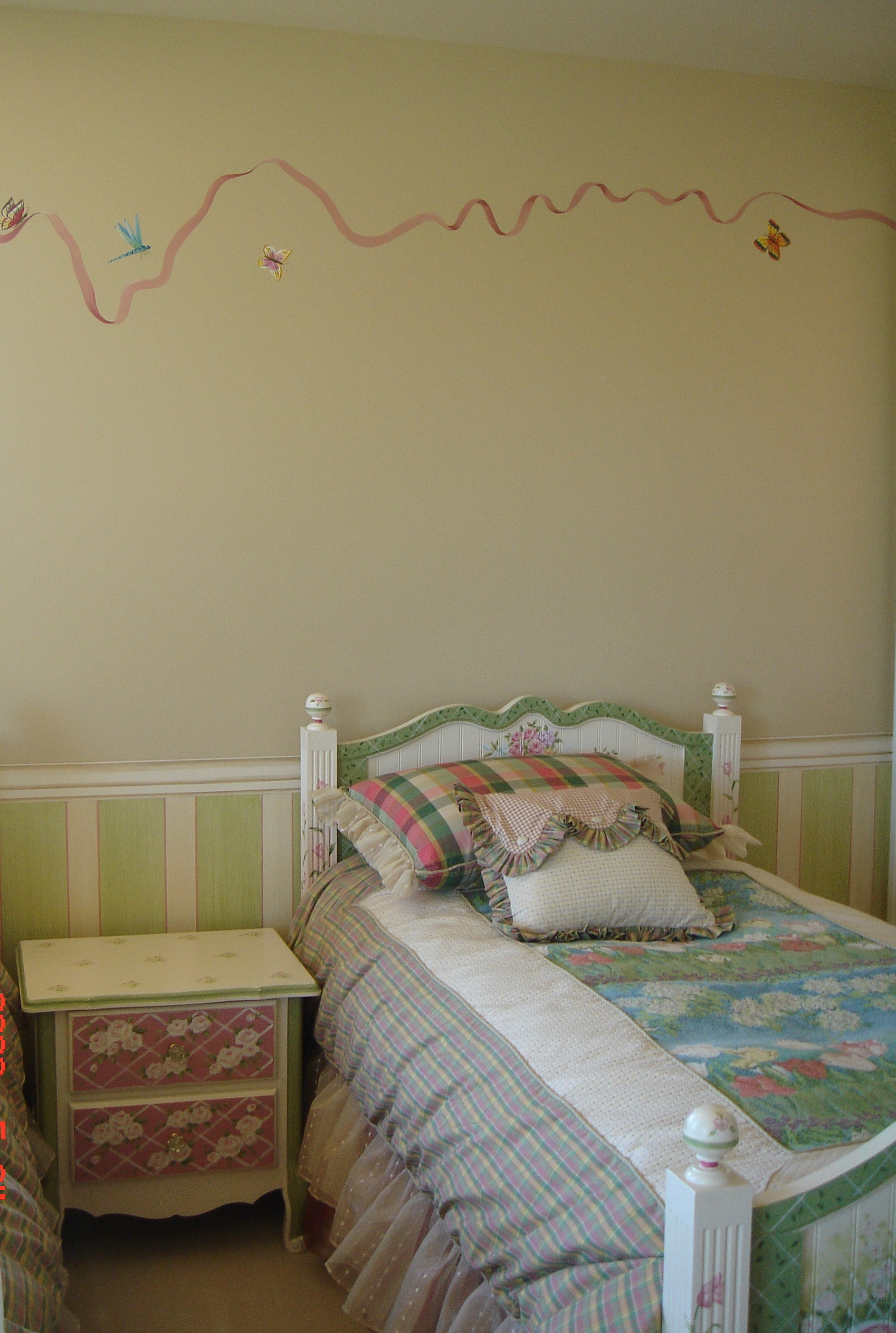Ribbon and Butterfly Room/
