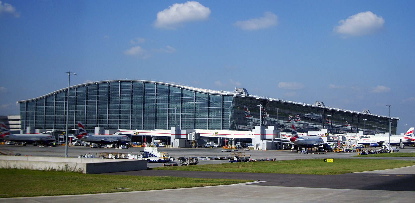 Heathrow Airport's Terminal 5, the home of British Airways (Source: Flickr, Warren Rohner)