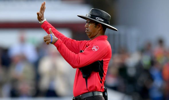 The umpire awarding six runs. (Source: GETTY Images)
