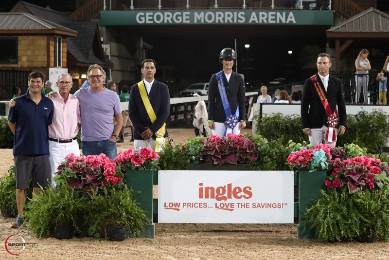 Santiago Lambre, Sydney Shulman and Sharn Wordley in their presentation ceremony alongside Tim Barrett, Ingles Special Events Manager, and Roger Smith and Mark Bellissimo, TIEC Founding Partners. ©Sportfot
