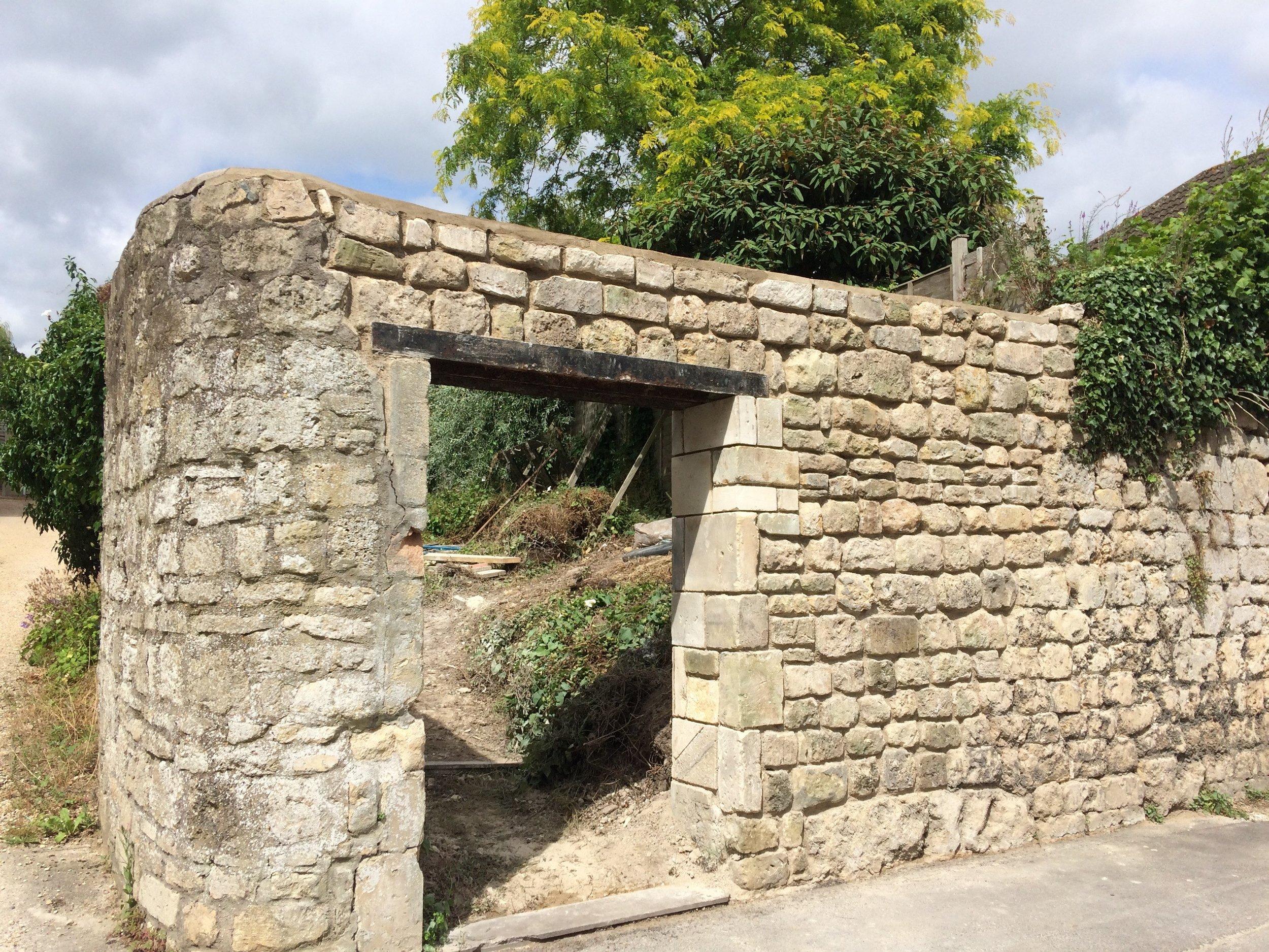 Beckford's wall, awaiting mortar, 14.7.17