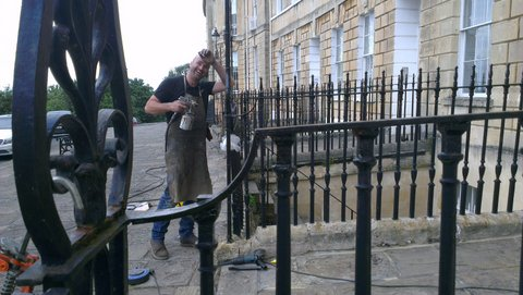 Finial fitting in Lansdown Crescent iii