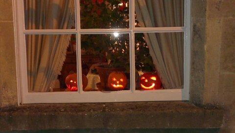 Halloween lanterns in Lansdown Place East