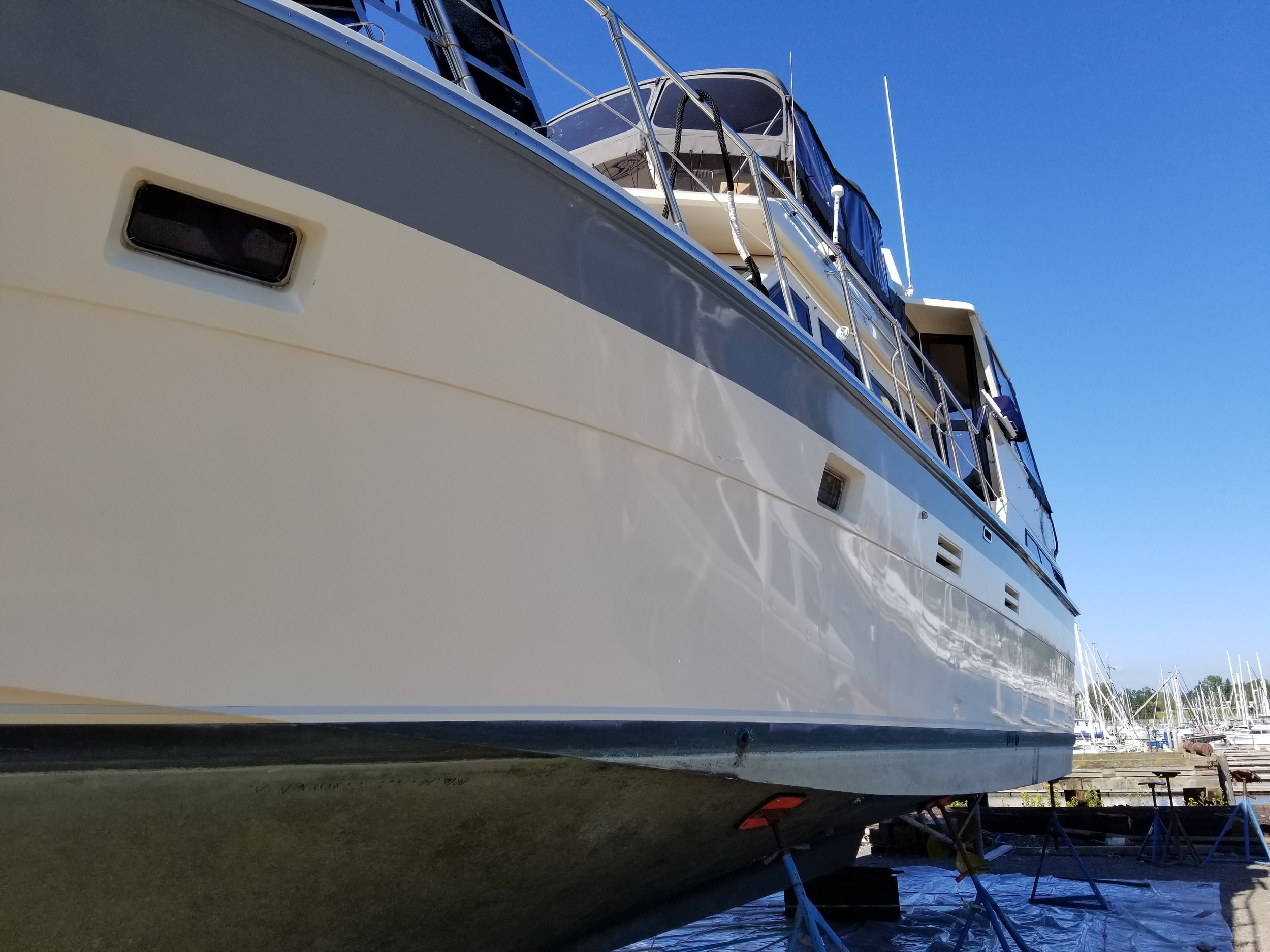 A nicely waxed hull always makes for a great first impression…