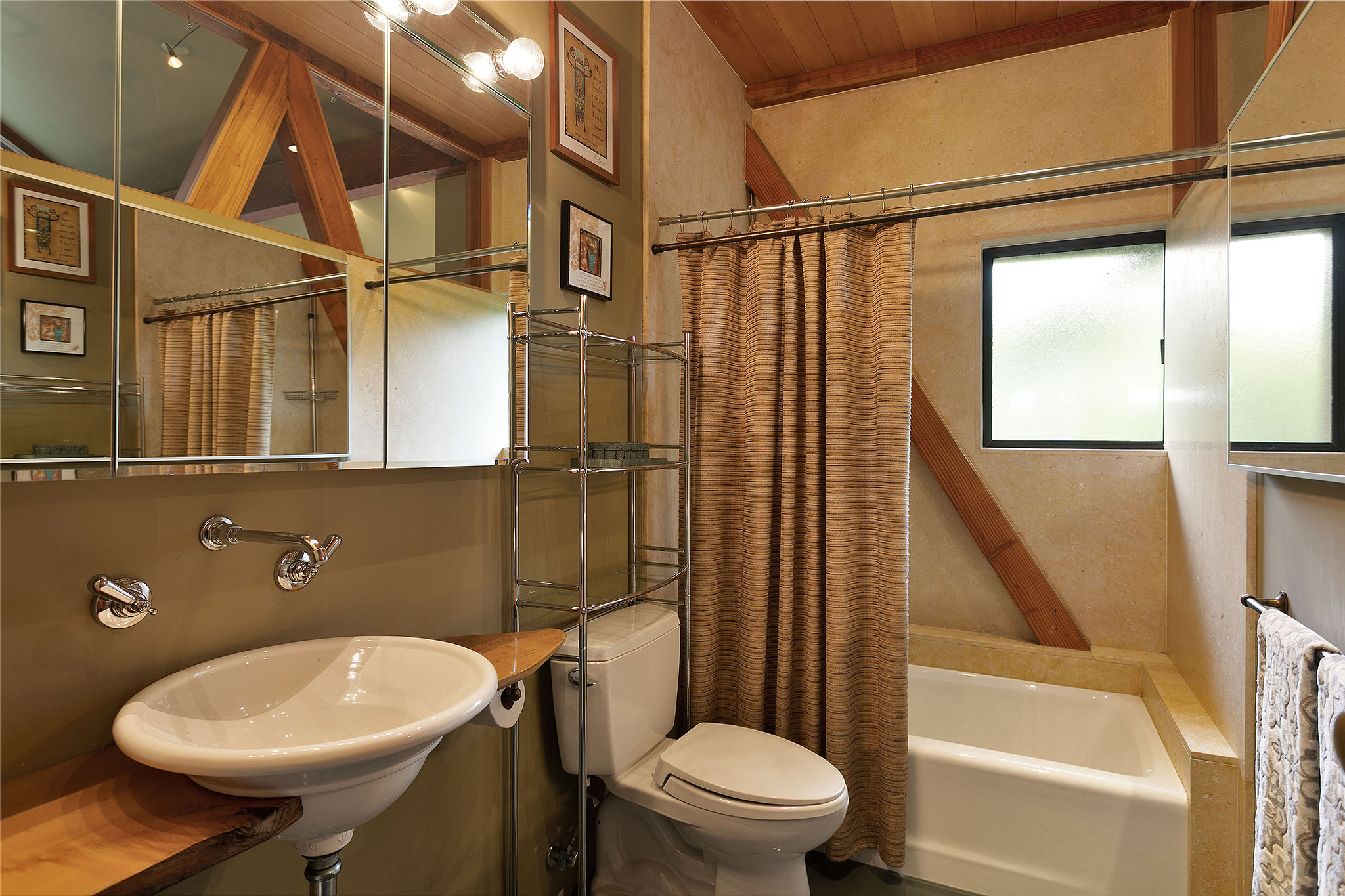 34 bath1.jpg