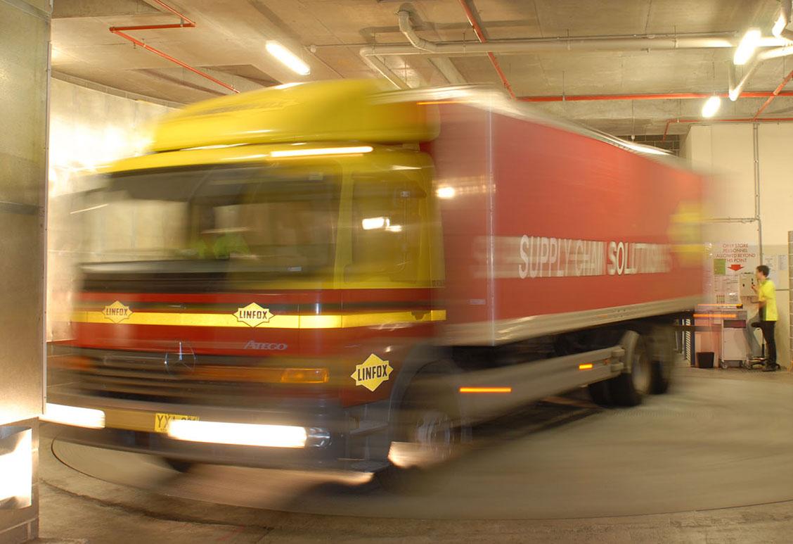 truck-turntable-oatley2.jpg