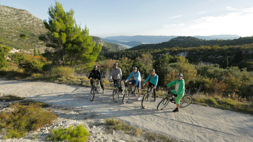 Off beaten track - Scenic Bike TourHalf Day, from 35€ pp