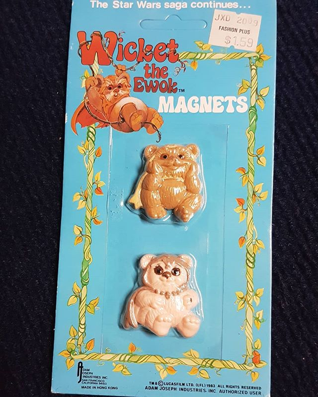 Yub Nub! Vintage cuddly cannibal magnets from Wicket the Ewok cartoon. Claim in the coments $10 + shipping #ForSale #vintage #starwars #moc #mintoncard #1983 #magnets #retro #collectibles #ewoks #wicket