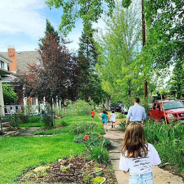 Canvassing is a family affair in Wash Park! #lincolnelementarydenver #scott4schools