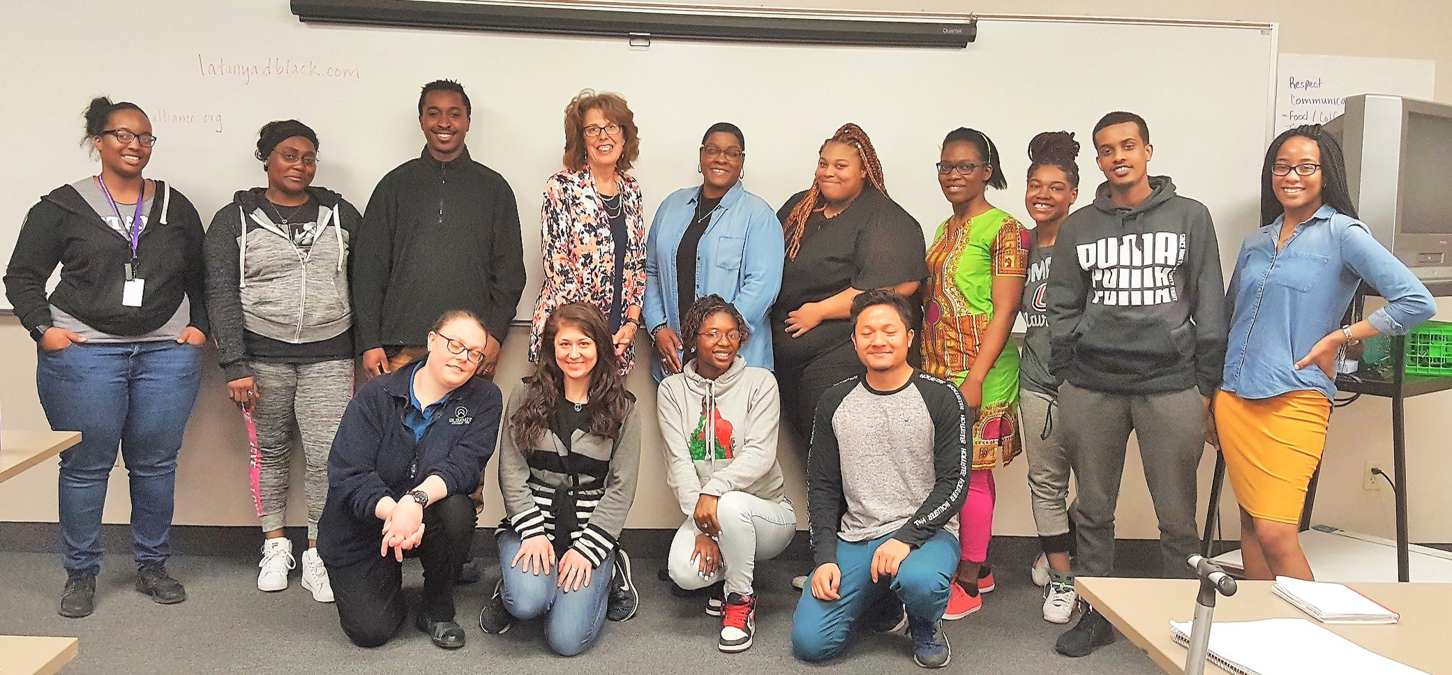 Today the MN Community Health Worker Alliance met with Summit Academy staff and the potential 2019 CHW LBAMS recipients. The students learned about the MNCHWA and LBAMS program offerings. What an exciting day!