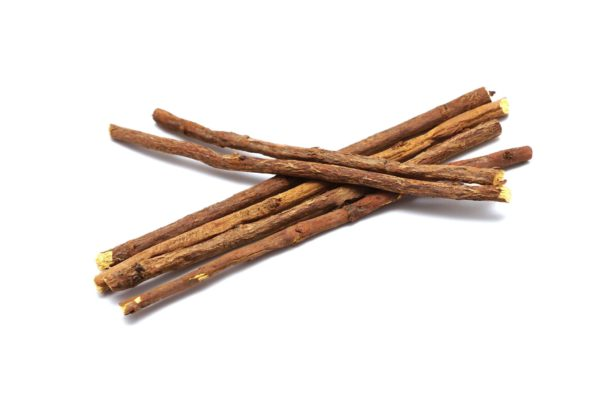 Dipotassium Glycyrrhizate - Dipotassium Glycyrrhizate is a substance contained in licorice root that is known as a raw material in herbal medicine. It inhibits inflammation and is effective in care for rough skin and acne.
