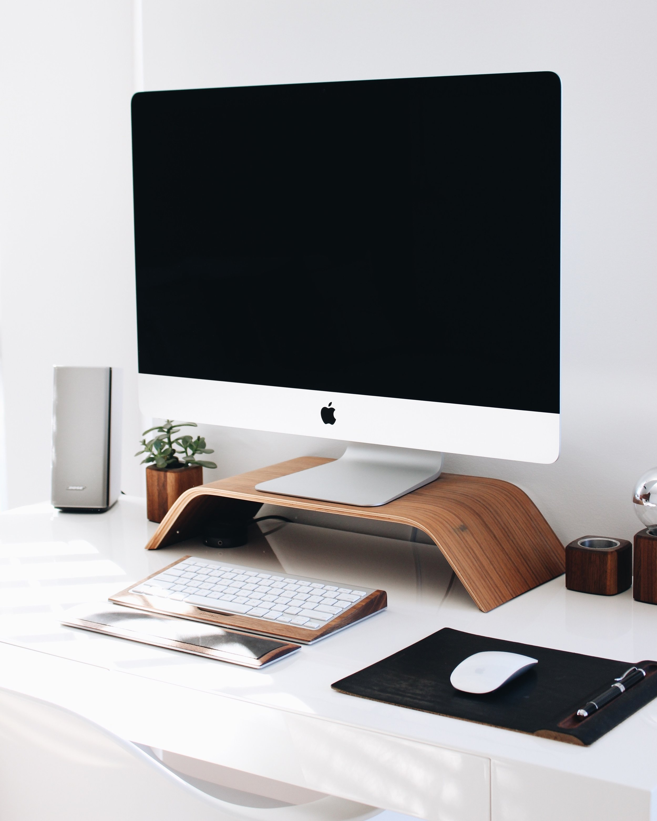 Mac & PC sales and services
