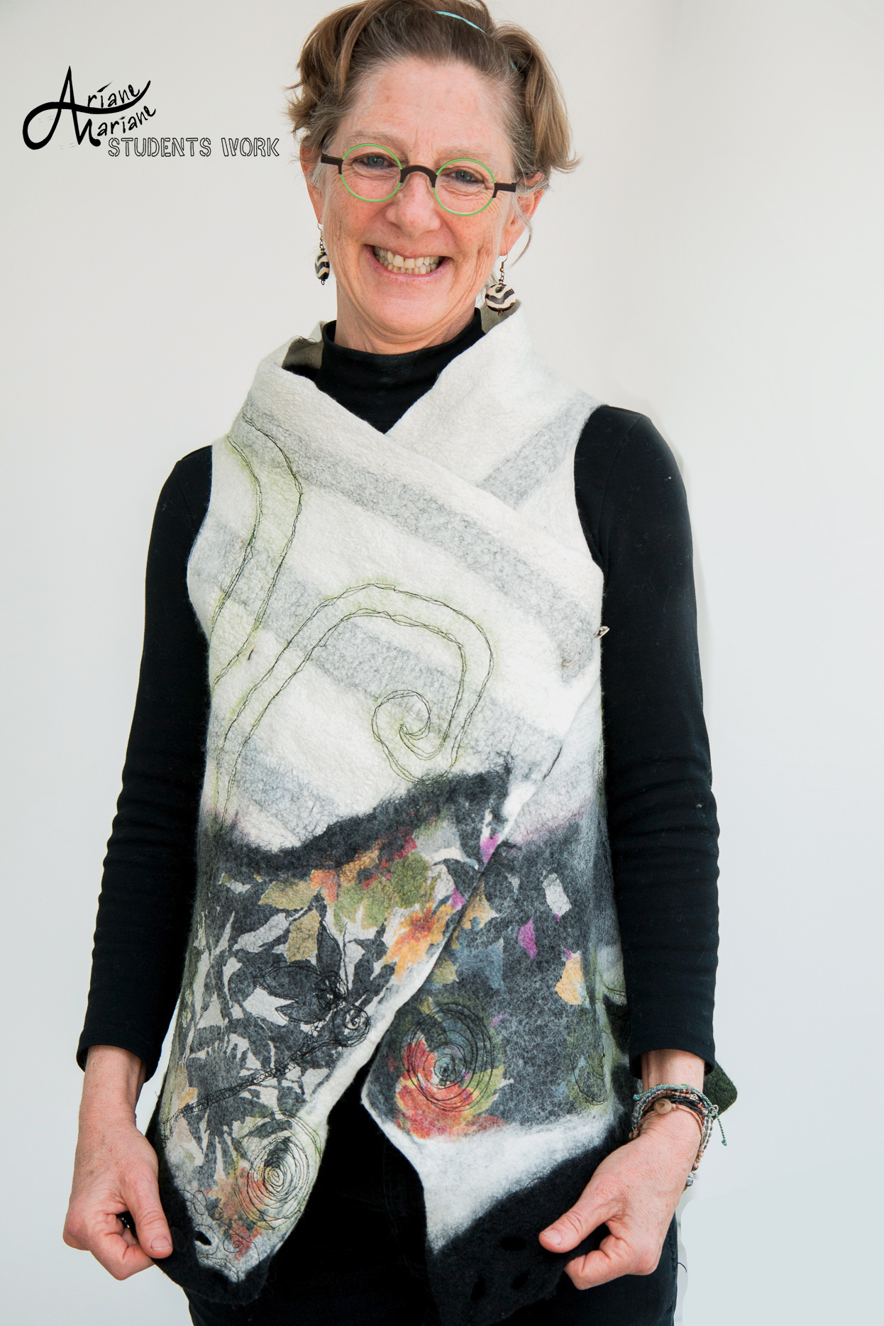 Ariane-Mariane-art-vest-workshop-Robin-Landris-6674.jpg