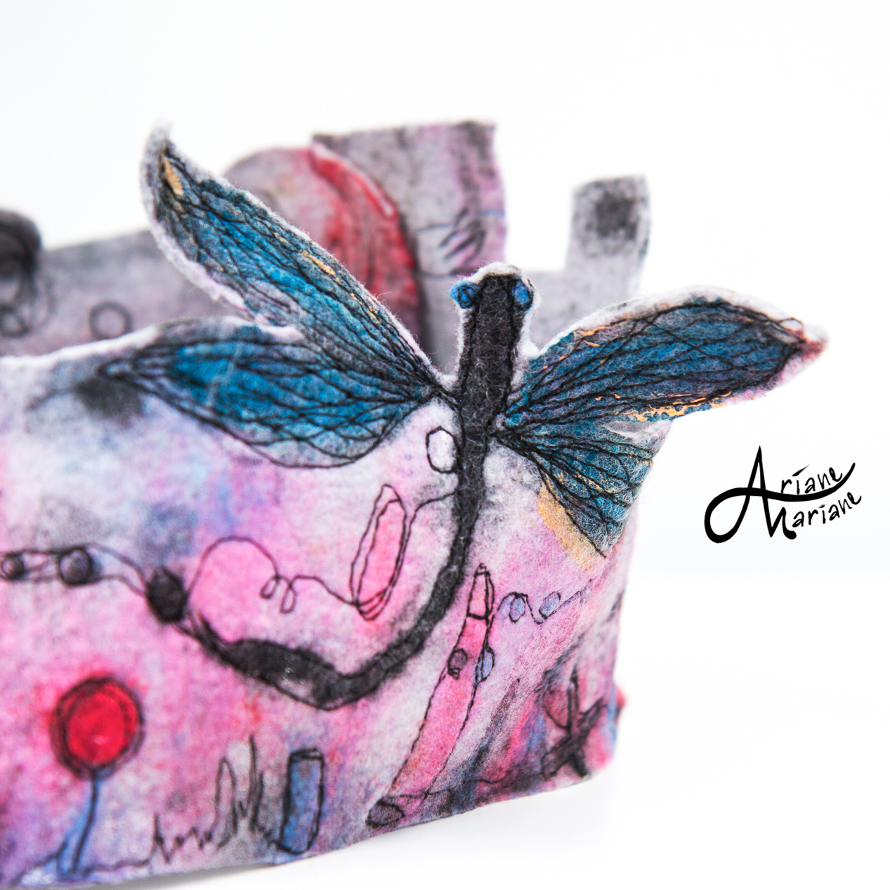 pink-painted-felt-art-cowl-with-dragonfly-cc.jpg