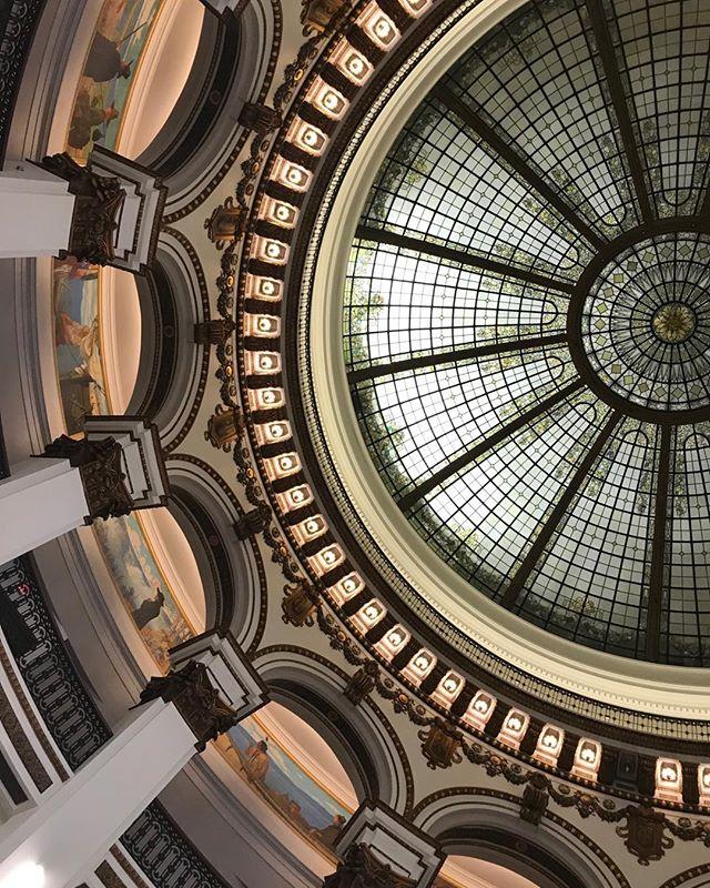 Feeling inspired by this beautiful cupola. . . . . . . . . #jeffreyramirezdesigns #interiordesigninspiration #interiordesigner #interiordesignersofinsta #inspiringinteriors #heinen #cleveland #interiordesignerslife #interiordesignercincinnati