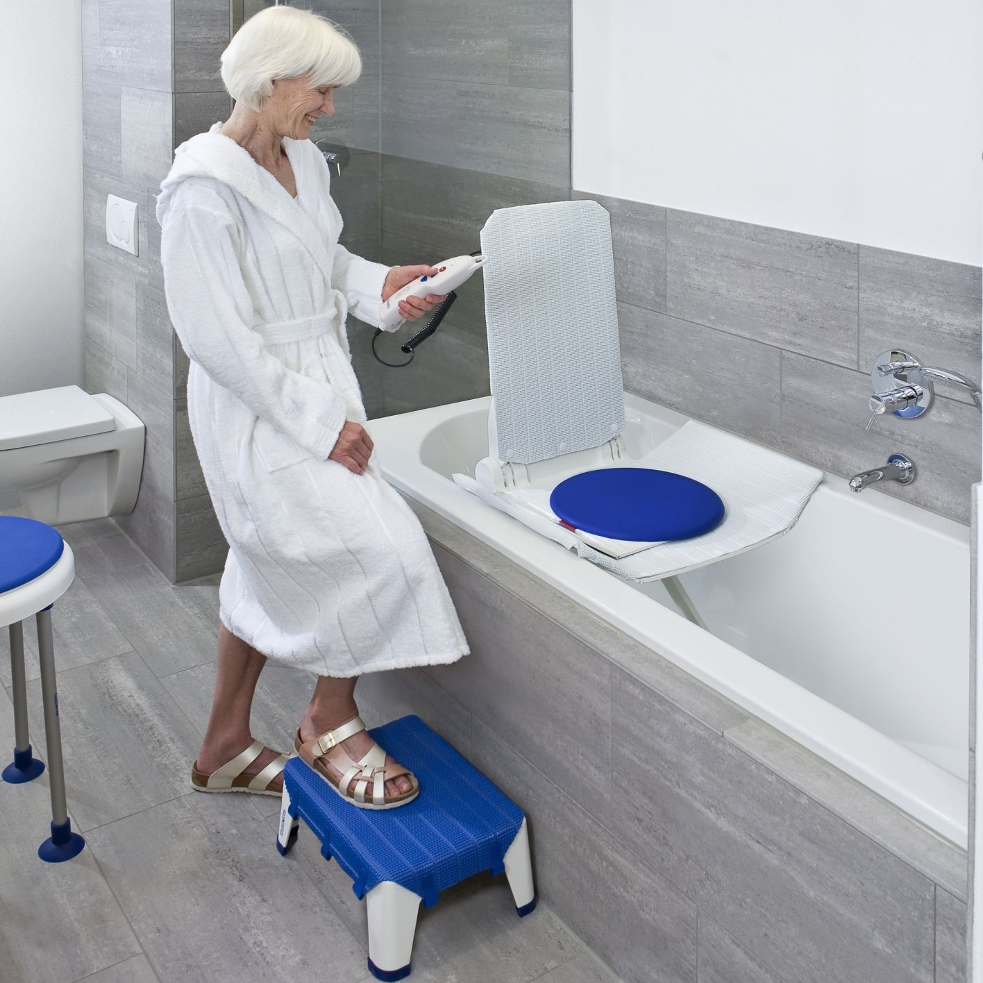 Bath Lifts - 1 year guarantee on all Bath Lifts Covering you for quality, reliability, ease of use, and safety.
