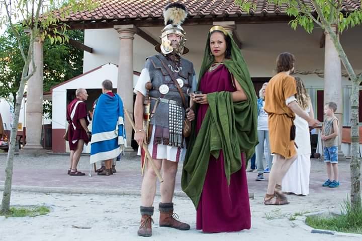 Briseïs als rijke getrouwde dame met echtgenoot
