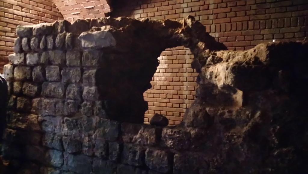 Romeinse muur in het keldertje