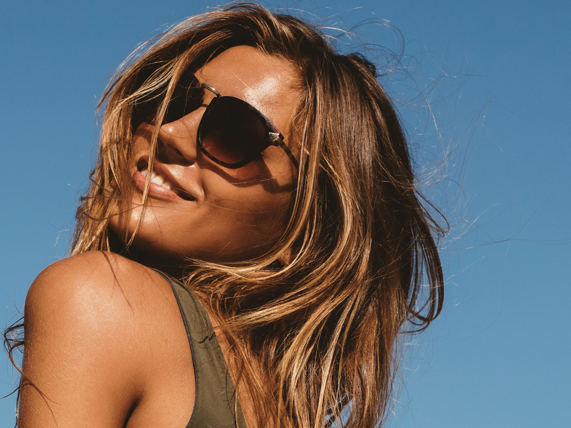fashion - The Aspect Eyewear Fashion range showcases the latest looks from around the globe emulating designer detailing, offering colour treatments and frame finishing, bringing to the market sunglasses of premium quality at an affordable price.