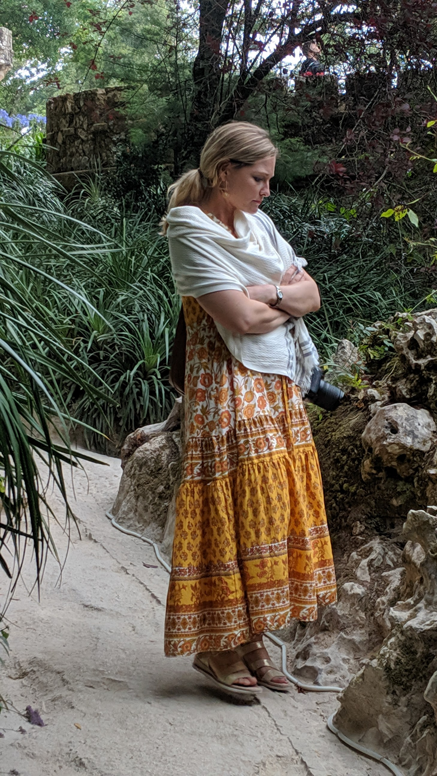 Not-as-healthy Jenn in Sintra, feeling more bloated than she ever dreamed possible, wondering exactly when she'll start barfing.