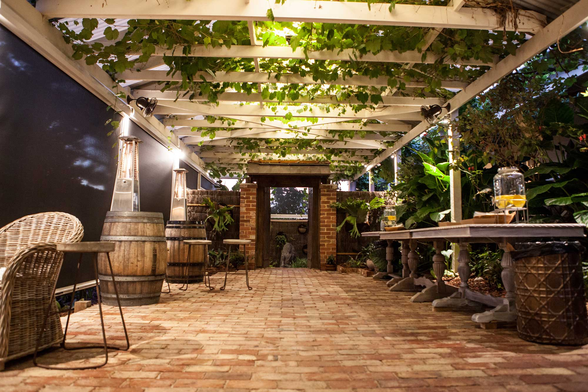 outdoor-wedding-in-the-vines.jpg
