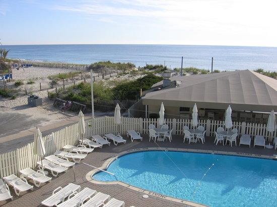 view-of-pool-and-ocean.jpg